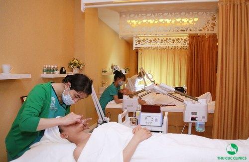 Hoàn thiện nhan sắc với các dịch vụ chăm sóc da vùng mắt, môi, cổ.