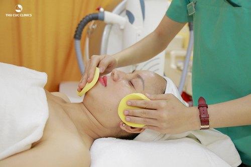 Chăm sóc da cơ bản để làm sạch sâu và cho da luôn tươi sáng.