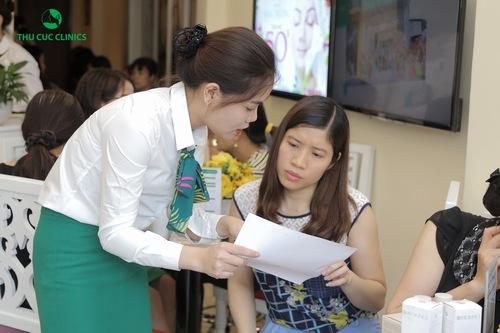 Chuyên viên tư vấn cách chăm sóc da sau điều trị giãn mao mạch
