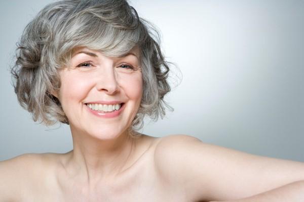 Chăm sóc da tuổi 50