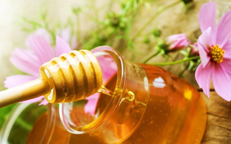 Chăm sóc da với mật ong