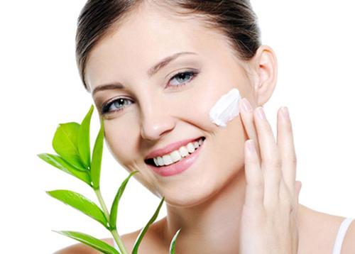 Da ở độ tuổi 50 cần một loại kem dưỡng ẩm đặc hơn để dưỡng ẩm tối ưu.