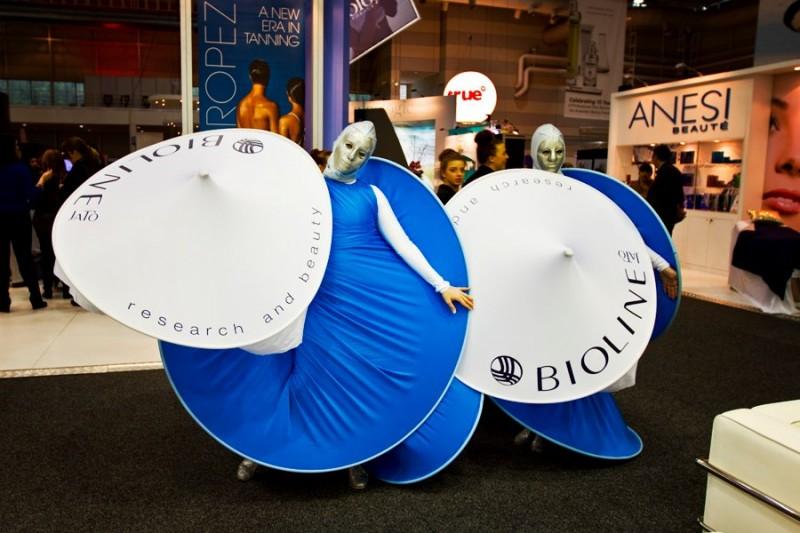 Màu xanh đặc trưng của thương hiệu Bioline Jato có mặt trên 65 quốc gia tại 5 châu lục và được khẳng định tại các triển lãm quốc tế quy mô