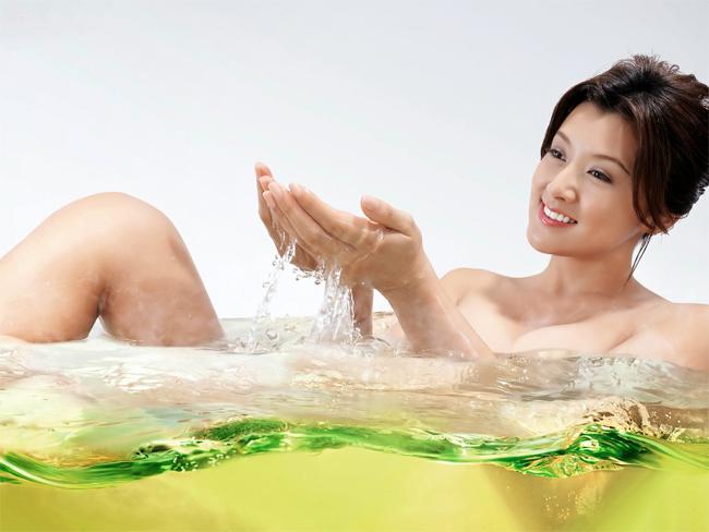 Xếp thứ hai với làn da đẹp căng mịn là Cựu hoa hậu Nhật Bản 1992 Fujiwara Norika