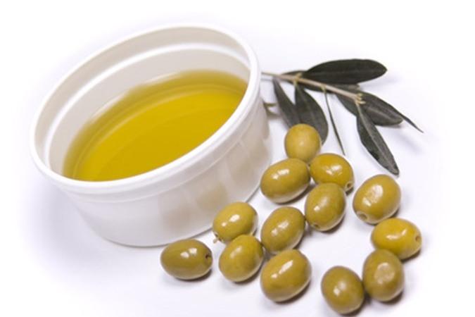 Chăm sóc da bằng dầu ô liu
