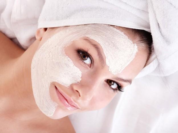 chăm sóc da thường xuyên trang điểm