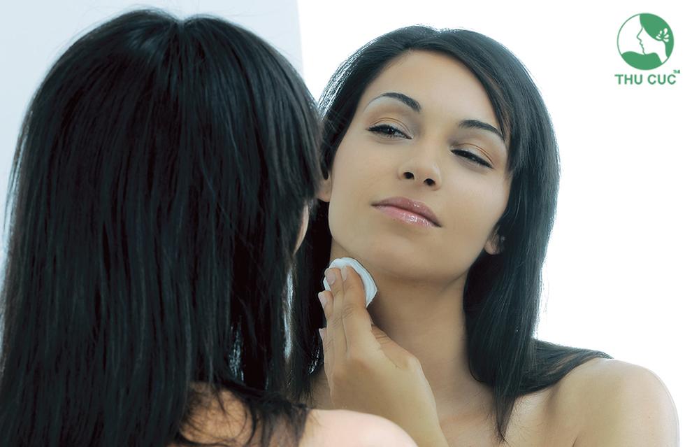 Sản phẩm giúp điều tiết lượng bã nhờn dư thừa trên da hiệu quả, cân bằng độ ẩm và giúp da mịn màng đầy sức sống