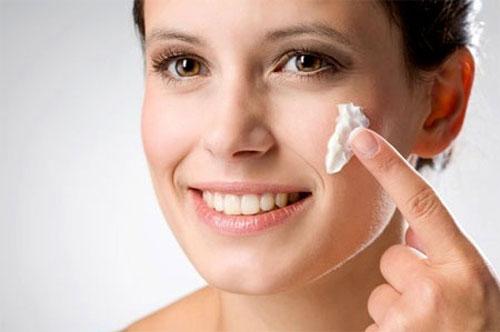 Sản phẩm không chỉ mang lại hiệu quả cân bằng và giảm nhờn hiệu quả mà còn đảm bảo an toàn cho da nhờ các thành phần tự nhiên