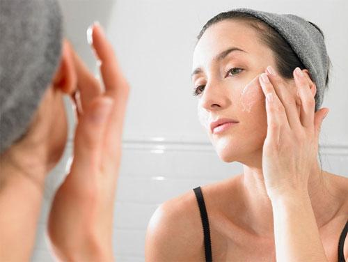 Để lựa chọn được sản phẩm sữa rửa mặt dành cho da dầu tốt nhất, bạn cần thấu hiểu đặc tính của làn da