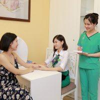 Đến Thu Cúc Clinics là lựa chọn của khá nhiều chị em trong viêc chăm sóc, phục hồi làn da yếu