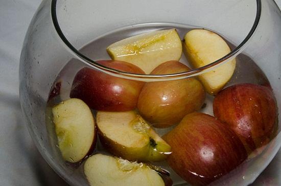 Cách làm dấm táo rất đơn giản.
