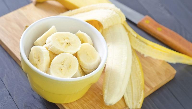 Vỏ chuối là một trong những nguyên liệu giúp trị mụn hiệu quả