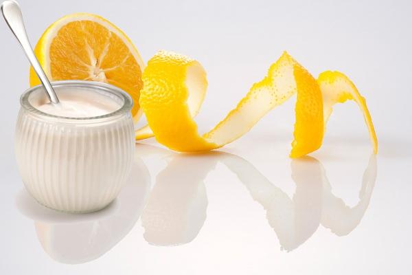 Liệu pháp tắm trắng từ cam và sữa tươi không đường sẽ giúp làn da bạn sẽ được phục hồi và trở nên trắng sáng hơn rất nhiều