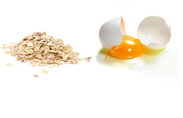 Sử dụng hỗn hợp yến mạch và trứng gà giúp làn da trắng hồng tự nhiên hơn