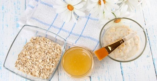 Tắm hỗn hợp bột yến mạch và dầy oliu giúp da trắng sáng và mịn màng hơn