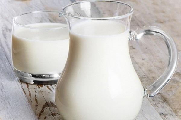 Sữa tươi là nguyên liệu tắm trắng an toàn, tiết kiệm rất được phái đẹp tin dùng