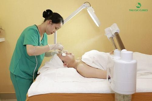 Quy trình điều trị mụn cám và mụn đầu đen tại Thu Cúc Clinics được tiến hành đúng chuẩn, đảm bảo kết quả trị liệu tốt nhất.
