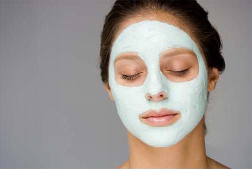 Mặt nạ sẽ giúp tăng cường lượng nước trong da, giúp cân bằng độ ẩm và điều tiết bã nhờn hiệu quả.