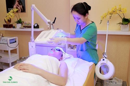 Ứng dụng công nghệ BlueLight giúp cho liệu trình được rút ngắn 1/3 thời gian điều trị mụn.