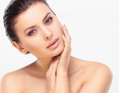 Chăm sóc da mặt chuyên sâu giúp làn da khỏe khoắn sáng mịn