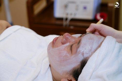 Dịch vụ đặc trị da lão hóa bằng mặt nạ vi tảo rất được ưa chuộng trên toàn hệ thống Thu Cúc Clinics.