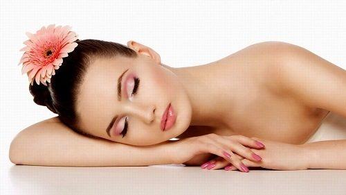 Làm da sáng mịn sau khi áp dụng liệu pháp tẩy da chết với bột cám gạo