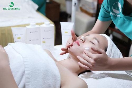 Trải nghiệm các dịch vụ chăm sóc da hiện đại và hiệu quả tại Thu Cúc Clinics.