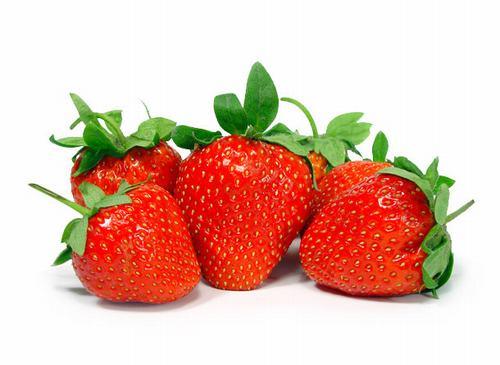 Vitamin C trong dâu tây giúp làm trắng da.