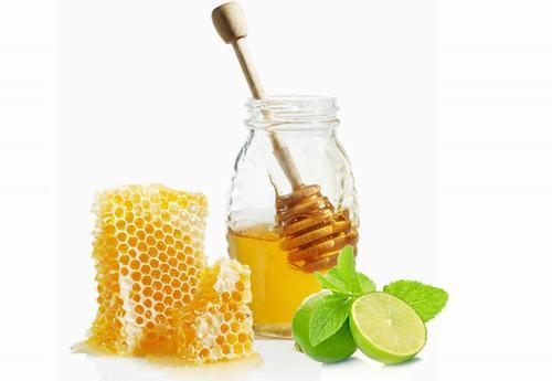 Bạn có thể thêm chanh và mật ong để tăng độ mịn màng cho làn da.
