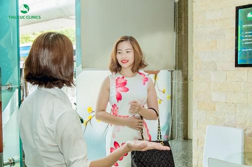 Thùy Linh đã trải nghiệm phương pháp điều trị rạn da tại Thu Cúc Clinics.