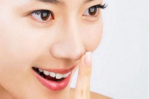 10 Cách trị mụn đầu đen đơn giản mà hiệu quả