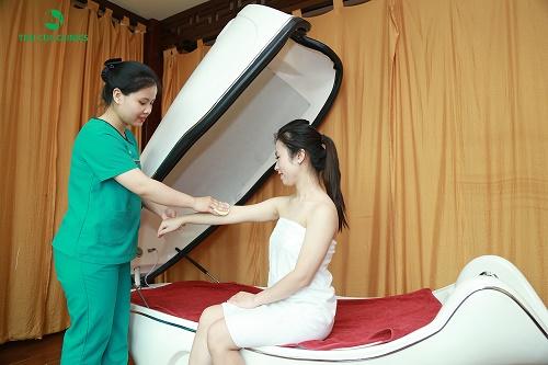Tắm trắng phi thuyền được thực hiện với quy trình khoa học.
