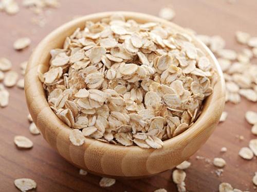 Bột yến mạch chứa các thành phần dưỡng chất có tác dụng làm trắng da hiệu quả.