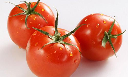 Cà chua có các thành phần dưỡng chất giúp làm trắng da hiệu quả.