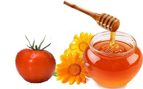 Tắm trắng da từ cà chua và mật ong rất an toàn và không gây tổn thương cho da.