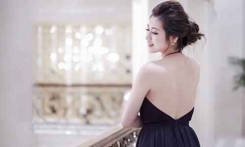 Lưng sáng mịn giúp chị em diện đầm vai trần sexy