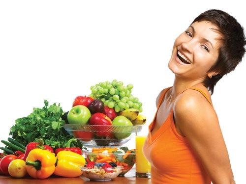 Bổ sung đầy đủ dưỡng chất cho cơ thể giúp đẩy lùi tình trạng mụn lưng, cổ từ bên trong