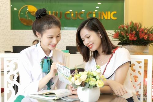Khách hàng được thăm khám kỹ lưỡng trước khi đưa ra liệu trình điều trị phù hợp