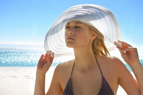 Mùa hè, làn da cần được chăm sóc và bảo vệ đặc biệt.