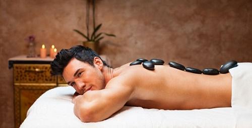 Sở hữu một làm da đẹp mịn màng giúp cánh đàn ông tự tin, lôi cuốn hơn.