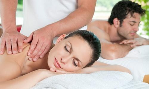 Phương pháp tắm trắng bằng collagen, giúp bổ sung thành phần collagen cần thiết cho cơ thể.