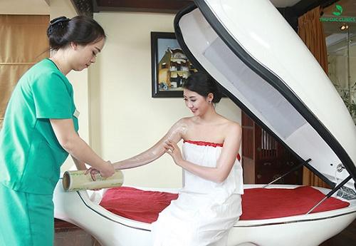Tắm trắng phi thuyền tại Thu Cúc Clinics mang lại hiệu quả vượt trội, làn da trắng hồng tự nhiên từ bên trong.