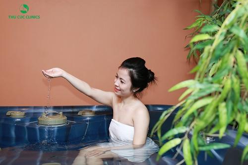 Tắm trắng phi thuyền tại Thu Cúc Clinics được thực hiện với chi phí rất hợp lý là 3.250.000/ lần tắm trắng.