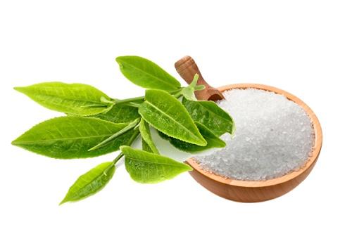 Thu Cúc Clinics áp dụng tẩy da chết thư giãn bằng muối và trà xanh.