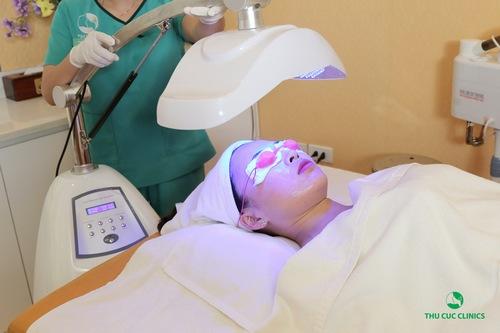 Blue Light - công nghệ trị mụn hiệu quả - an toàn