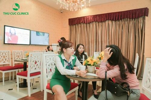 Tại Thu Cúc Clinics dịch vụ trị mụn lưng được đông đảo chị em quan tâm