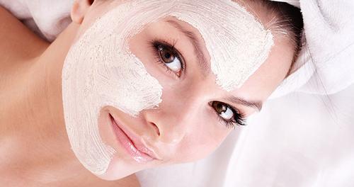 bạn nên thực hiện tẩy da chết 1-2 lần/tuần và chỉ nên thực hiện 1 lần/tháng đối với làn da bị mụn.