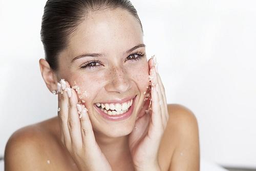 Việc tẩy tế bào chết chính là một trong những phương pháp chăm sóc da hoàn hảo.