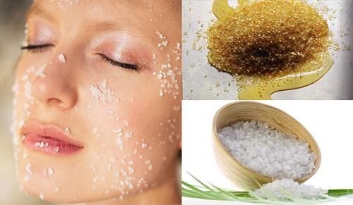 Nên tẩy da chết 1-2 lần/tuần vào buổi tối để tránh bị kích ứng bởi ánh nắng mặt trời.