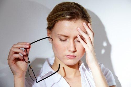 Căng thẳng mệt mỏi là nguyên nhân khiến mụn xuất hiện từ bên trong